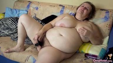 Мастурбация жирных баб