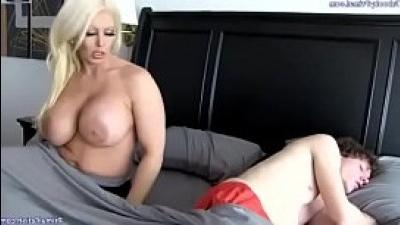porno-klipi-seks-grudastie-teti-video