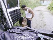 Дальнобойщик связал худенькую девушку и жестко выебал в фургоне
